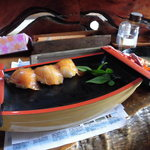 かあちゃん - べっこう寿司に伊勢海老の味噌汁付