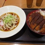 鞍馬 - 料理写真:みそかつセット、ミニ麺付き