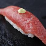 おたる政寿司 - 鮪の蛇腹のすじをはがした当店自慢の『はがし大トロ』