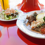 クレプスキュール・カフェ - ランチ(豚肉のビール煮とスズキのオーブン焼き):850円(スープ・サラダ・オレンジジュース)/2015年11月