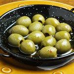 Barta - グリーンオリーブのアヒージョ