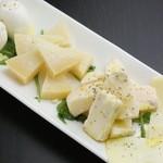 Barta - チーズの盛り合わせ