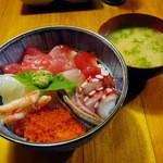 土産土法 さかな亭 - 海鮮丼