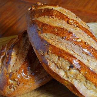 朝早くから食べられる焼き立てパン☆