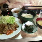 阿べ屋 - トロロ丼と生姜焼き定食