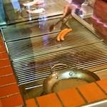 レイモンハウス - 料理写真:注文が入ってからソーセージは焼かれます