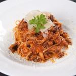 キノコとモッツァレラチーズのスパゲッティ・ボロネーゼ