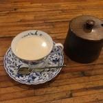 シーザースパレス - ホットカフェオレ。ミルクがおいしい!