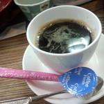 にぎり寿司セット1人前<税込>680円 のコーヒー(2015.11.17)