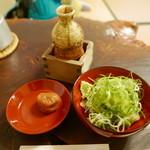 竹邑庵太郎敦盛 - 薬味と梅干し、蕎麦汁。