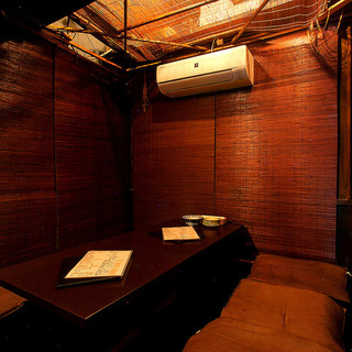 『プライベート空間』奥の個室は最大10名迄OK