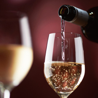 ソムリエ厳選ワインをリーズナブルに!