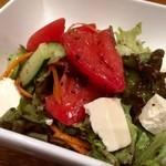 トプカプ - フェタチーズ入りのトルコ風グリーンサラダ