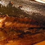 田うち - 鯖焼き、厚みあり