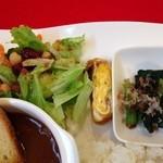 ジャルダンヴェール - サラダ、卵焼き、小松菜