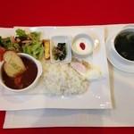 ジャルダンヴェール - おまかせランチプレートとわかめスープ