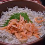 大森 茶々 - とん汁セットの桜海老しらす飯