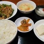 東魁楼 - 青椒肉絲定食
