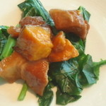 SHIN YEH 101 - 酵母豚の紅麹ソース焼き。