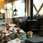 44557377 - クリスマス雑貨と 薪ストーブ