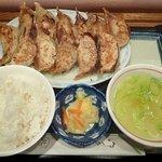 どさん粉 麺や 凡 - 餃子定食