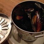 butcher bar 十八 - ムール貝のバケツ蒸し