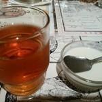 陳麻家 - 【2015.11.18(水)】サービスの烏龍茶と杏仁豆腐