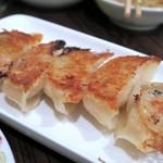 食べ笑い - 肉焼き餃子¥420