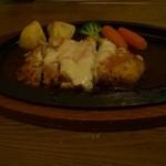 カフェレストラン アド - チキンチーズカツ(ライス・サラダ付き)1000円+税