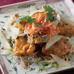 ニャーヴェトナム - 揚げ魚のピリ辛ココナッツ風味