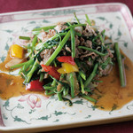 ニャーヴェトナム - 空芯菜と牛肉のにんにく炒め