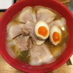 天天有 - 丸スープ チャーシュー麺 並 煮卵トッピング。