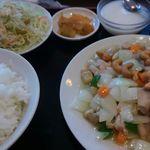 中華料理 餃子館 - 鶏肉とカシューナッツ炒め定食(780円)