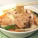 鳳春 - 肉うま煮そば=やわらか肩ロース肉と野菜のとろみあんかけラーメン、醬油味。。。野菜の量は約180g