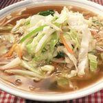 鳳春 - 野菜ラーメン=こだわりは調理法、野菜のシャキシャキ感を残し甘みを引き出す。。。野菜の量は約300g