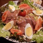 居酒屋 飛躍虎 - ローストビーフのサラダも人気ですよぉ♪o(*'▽'*)/☆