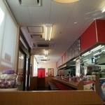山岡家 - オープン したての頃でしたが  店内の 臭いに 耐えきれず  さっさと食べて退散 (=`ェ´=)