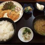 はざまや - 料理写真:日替り定食(あじフライ定食・ごはん大盛り)2015.11