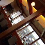 豆腐かふぇ 浦島 - 店内も落ち着いた雰囲気です