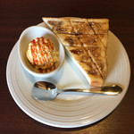 44596284 - ドリンク料金のみのモーニングは、トーストとたまごサラダが付きます。トーストは黒蜜きな粉。
