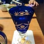 小料理 会田 - 切り子グラスで優雅なひととき