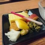 小料理 会田 - 料理写真:前菜には手の混んだ品々が