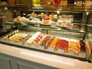 ペイストリー スナッフルス 駅前店 - 1F ケーキショップ