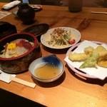 鮨豊 - 私は今回、漬けちらしセットをいただきました1230円(込み)(2015.11.19)
