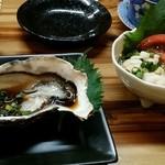 飲み食い処ゆるりや - 殻付牡蠣ポン酢 鱈の白子ポン酢
