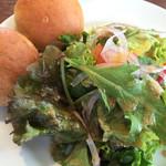 カンパーニャ  - サラダ&食べ放題のパン