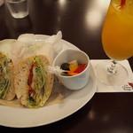 Cafe Chaton Rouge - ランチBミニデザートにコーヒー又は紅茶又はオレンジジュースは+300円♪