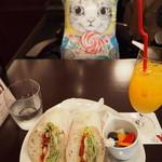 Cafe Chaton Rouge - 一緒に食べてるみたいにしてみました♪(≧▽≦)