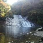 44624581 - お店の前から急な坂道で下まで降りれば養老渓谷粟又の滝があります。
