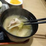 川崎鶏唐揚定食店 - 豚汁